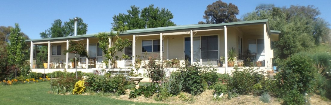 Shalimar Cottage Accommodation – Burrumbuttock NSW Australia